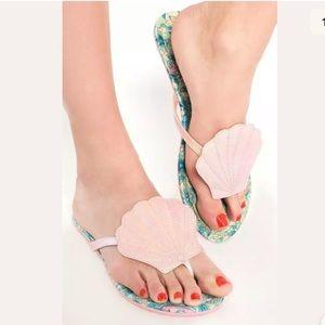 Iron Fist Shell Sandals